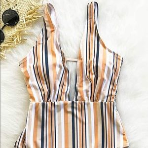 CUPSHE Striped One-Piece